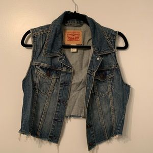 Levi Cropped Denim Vest